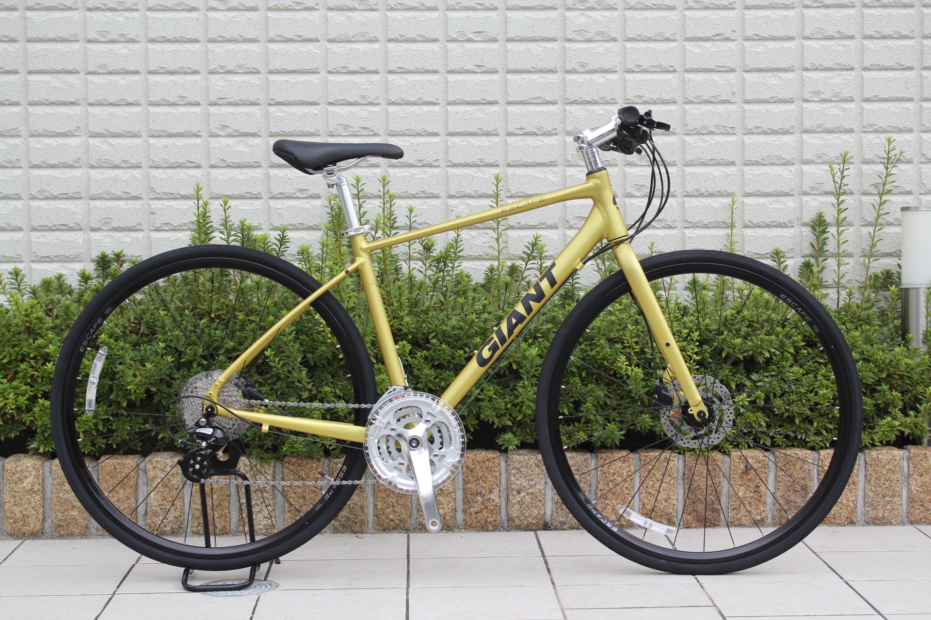2020 GIANT『ESCAPE R DISC』クロスバイクの定番R3の油圧ディスクモデル