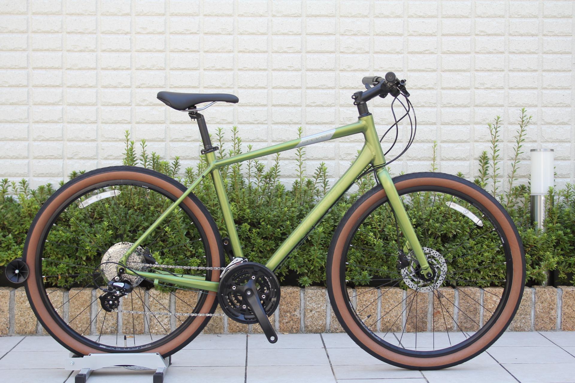 2020 GIANT『GRAVIER DISC』太いタイヤで凸凹道も安心MTB寄りクロスバイク